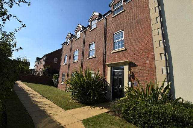2 bed flat to rent in Red Norman Rise, Holmer, Hereford HR1