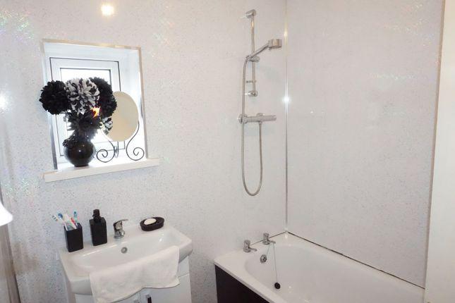 Bathroom of Hywel Crescent, Barry CF63