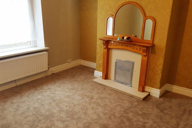 Thumbnail Terraced house to rent in Giles Street, Bradford