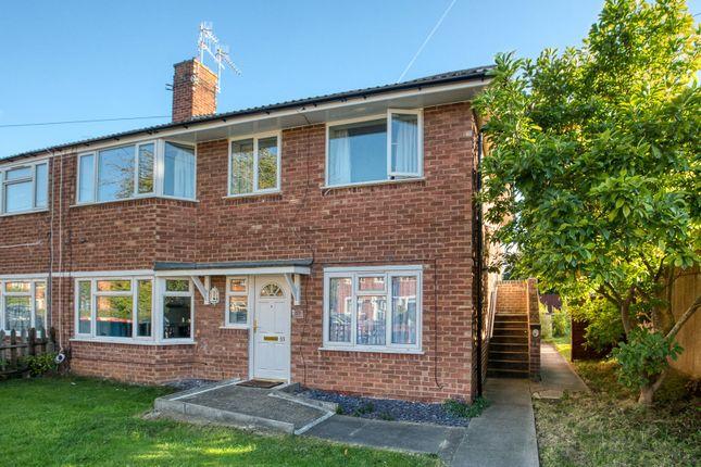 Picture No. 01 of Lodge Road, Stratford-Upon-Avon, Warwickshire CV37