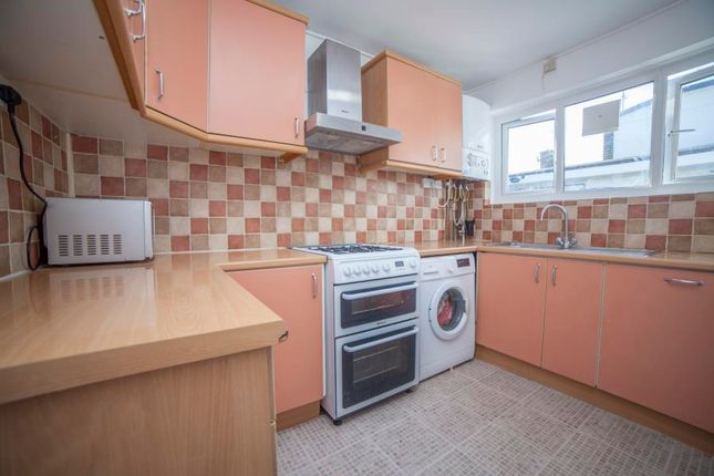 Thumbnail Flat to rent in Tildesley Road, London