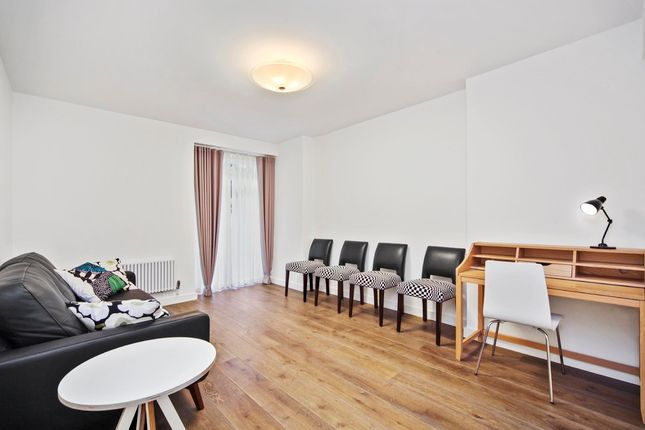 2 bed flat for sale in Basil Street, London