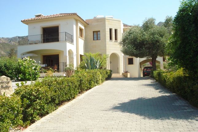 3 bed villa for sale in Bellapais