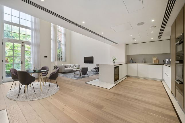 Thumbnail Flat for sale in Richmond Hill, Surrey