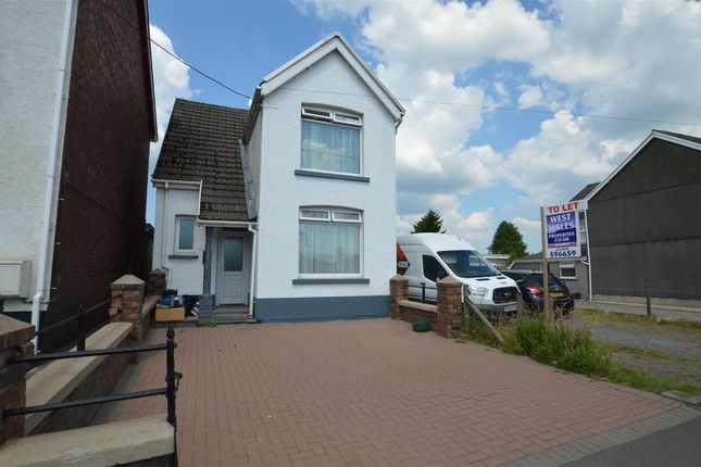 Thumbnail Detached house to rent in Penybanc Road, Ammanford