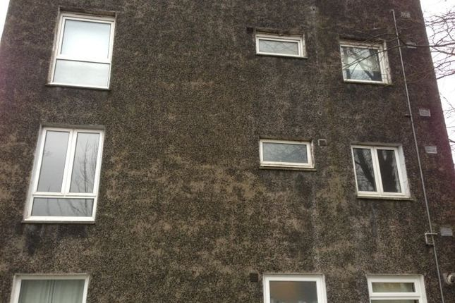 Thumbnail Flat to rent in Medlar Road, Cumbernauld, Glasgow