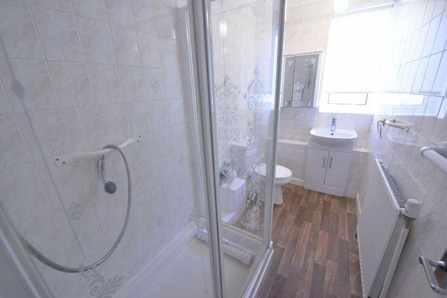 Bathroom of 31 Hillington Quadrant, Glasgow G52
