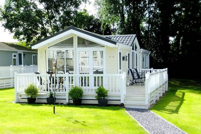 Thumbnail Mobile/park home for sale in Holywell Road, Rhuallt, St. Asaph