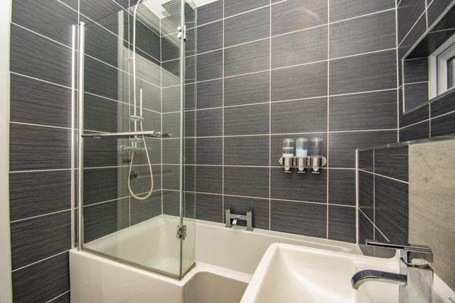 Bathroom of West Chiltern, Woodcote, Reading RG8
