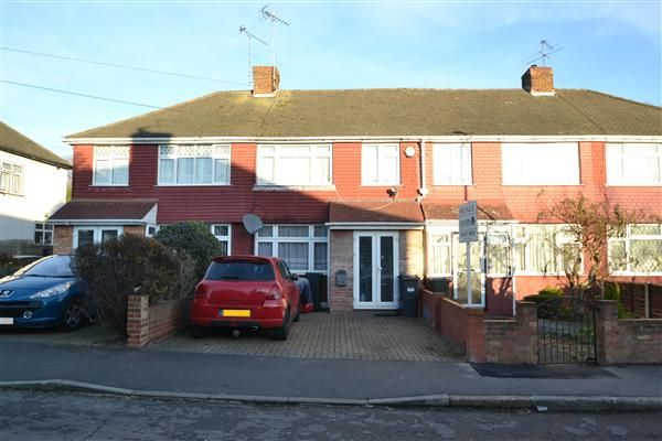 Thumbnail Terraced house for sale in Beeston Way, Feltham