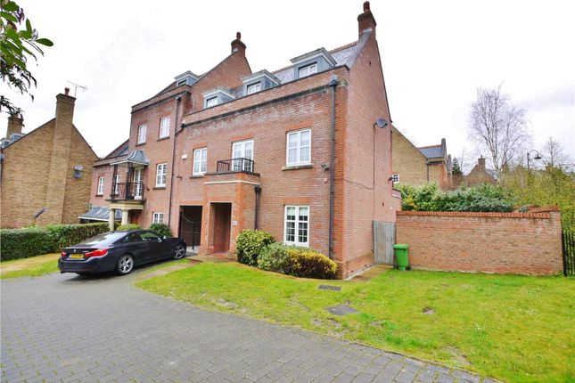3 bed end terrace house for sale in Vaughan Williams Way, Warley, Brentwood, Essex