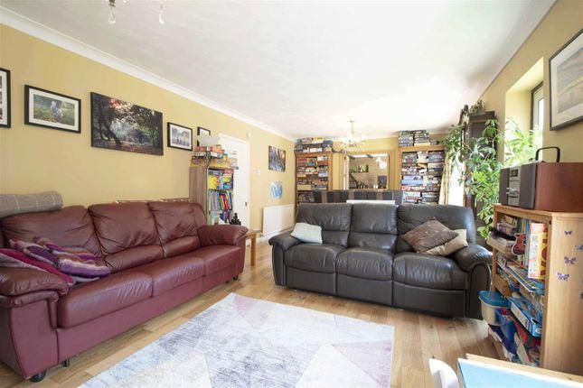 Living Room of Bellamy Close, Ickenham UB10