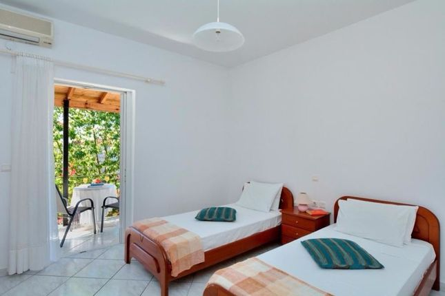 Thumbnail Hotel/guest house for sale in Hotel-03, Agios Gordios, Greece