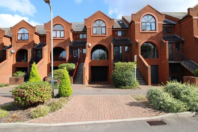 Thumbnail Town house for sale in Old Mill Close, Exeter