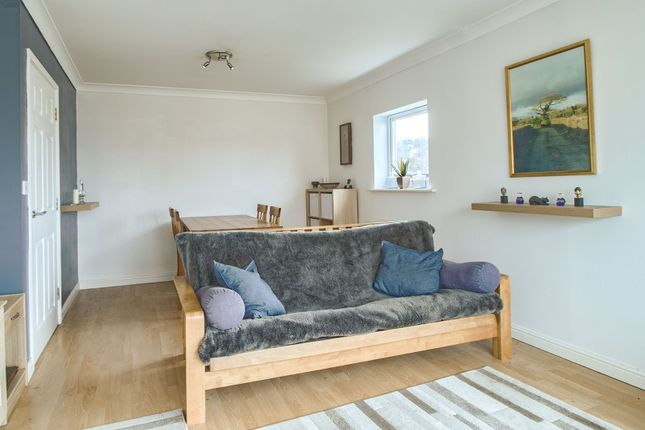 Lounge of Scott-Paine Drive, Hythe, Southampton SO45