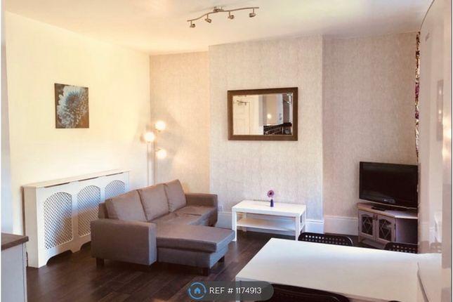 Room to rent in Dewsland Park, Newport NP20
