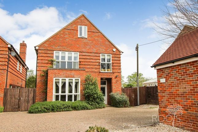 Thumbnail Detached house for sale in Broad Lane, Upper Bucklebury, Reading