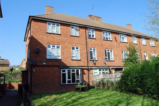 Thumbnail Maisonette to rent in Hillyfields, Loughton, Essex