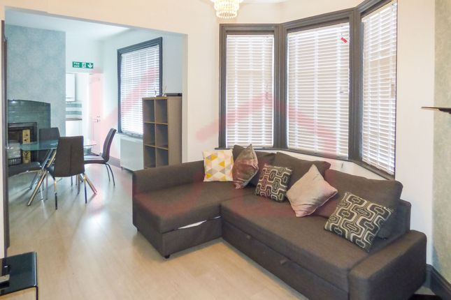 1 bed flat to rent in Flat 2, Warmsworth Road DN4