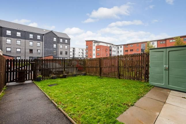 Garden of Mulberry Square, Renfrew, Renfrewshire, . PA4