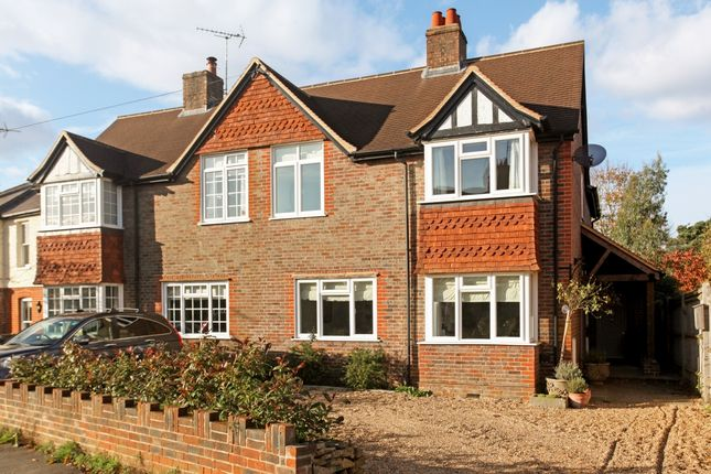 4 bed semi-detached house to rent in Duncombe Road, Godalming
