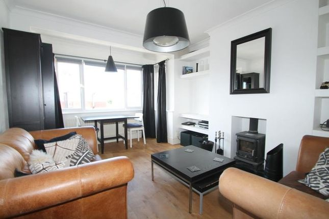 Thumbnail Flat to rent in Thalassa Road, Worthing