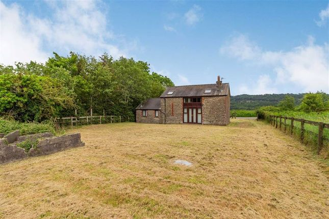 2 bed barn conversion for sale in Wellfield Close, Pontypool, Monmouthshire NP4