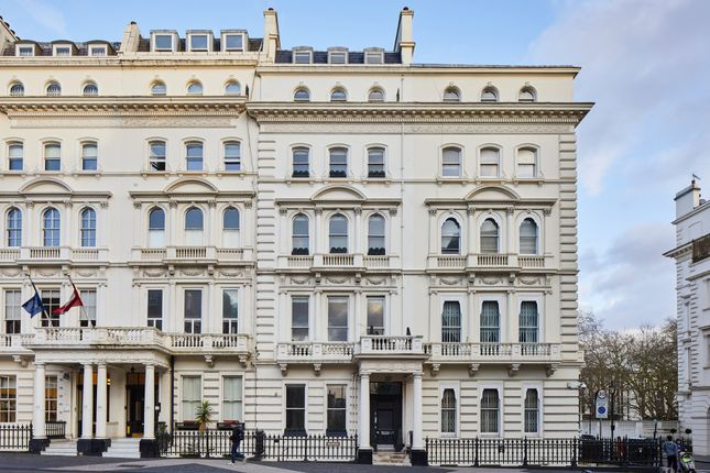 Town house for sale in Princes Gate, London