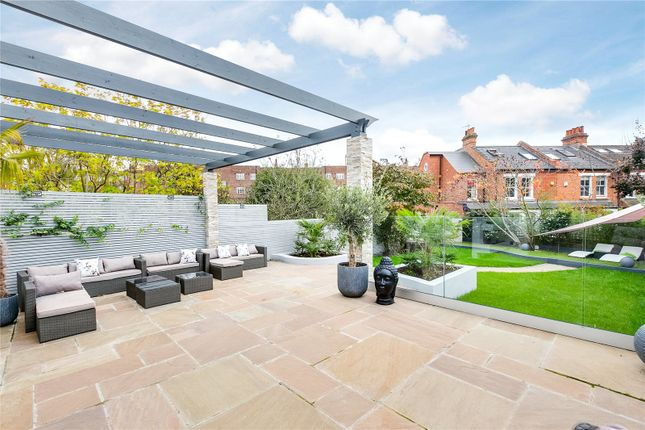 Thumbnail Flat for sale in Oxford Road South, Chiswick, London