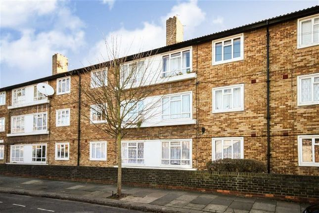 Thumbnail Flat for sale in Carlton Road, London