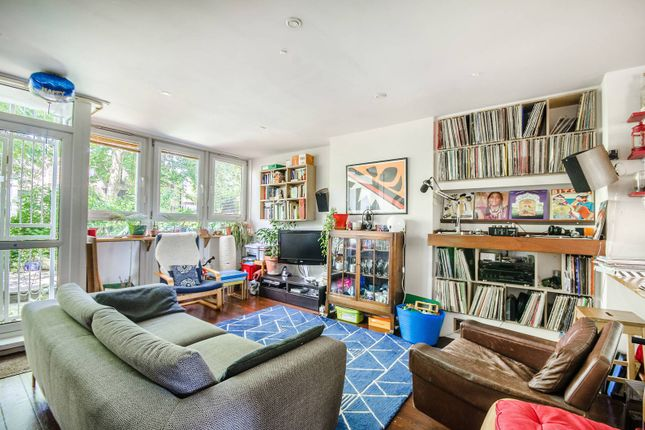Thumbnail Maisonette to rent in Camberwell Grove, Camberwell