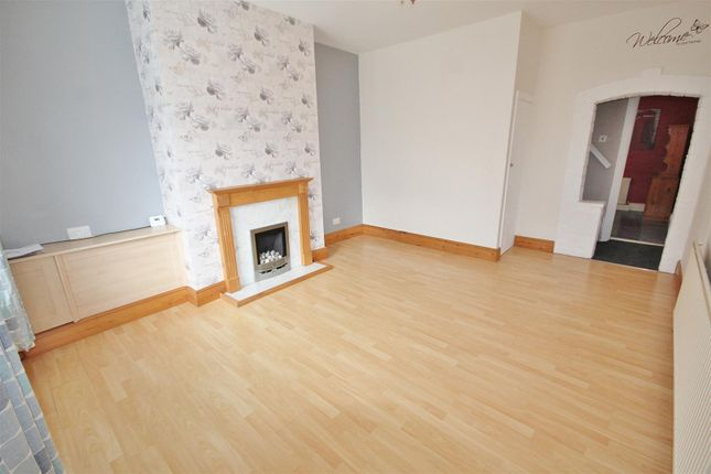 Lounge of Kings Road, Askern, Doncaster DN6