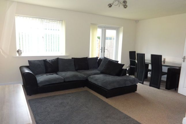 Thumbnail Semi-detached house to rent in Rooks Nest Road, Stanley, Wakefield