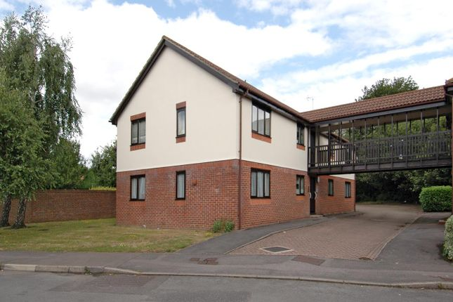 Thumbnail Flat to rent in Sandringham Road, Petersfield