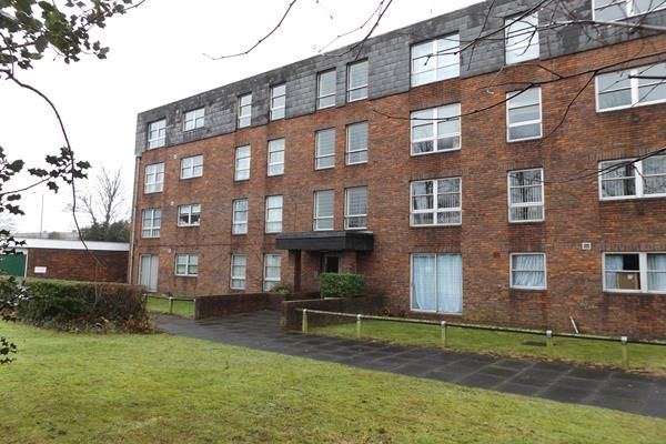 Thumbnail Flat for sale in Marlowe Gardens, Eltham