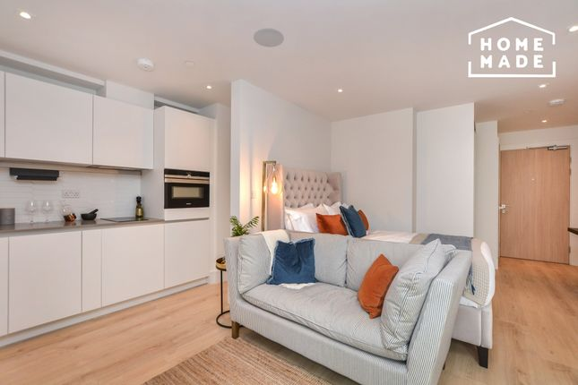 Studio to rent in Caxton Place, Ilford IG1