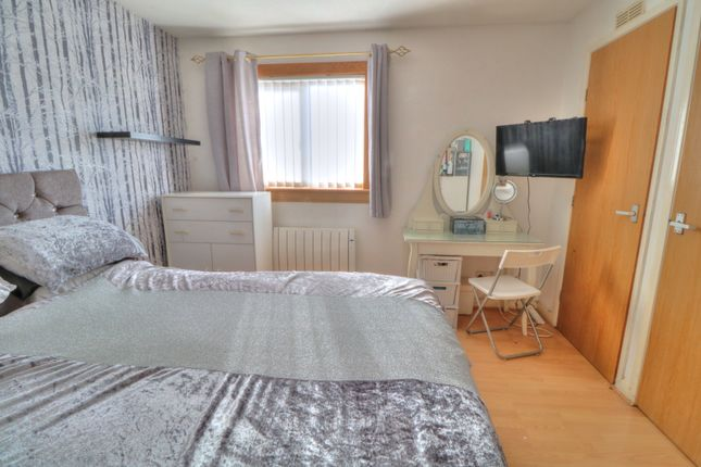 Bedroom 1 of Leyshade Court, Dundee DD4