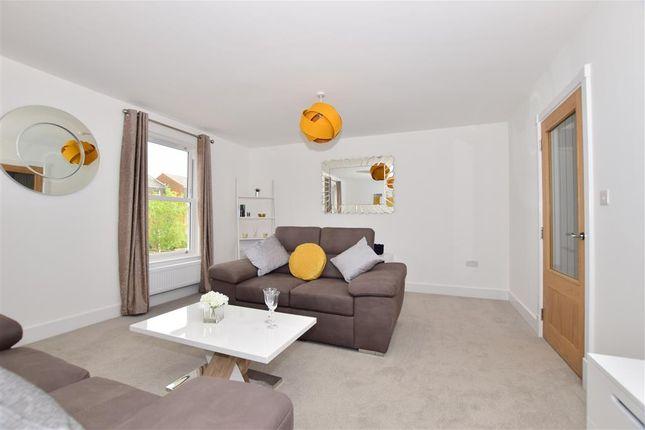 Thumbnail Terraced house for sale in Radnor Park Avenue, Folkestone, Kent