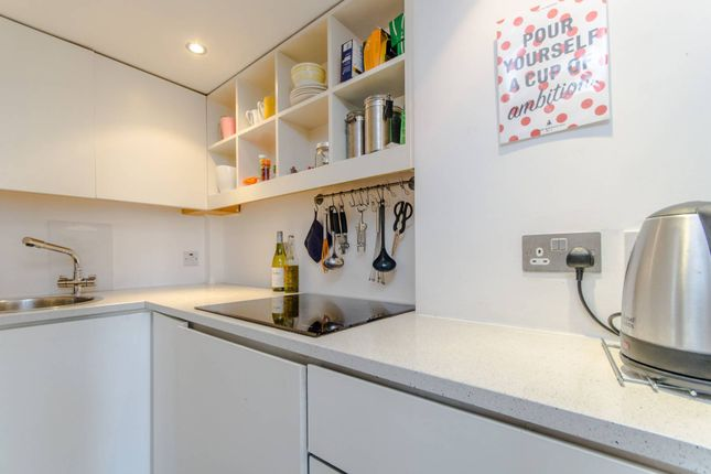 Thumbnail Studio to rent in Colville Gardens, Notting Hill, London