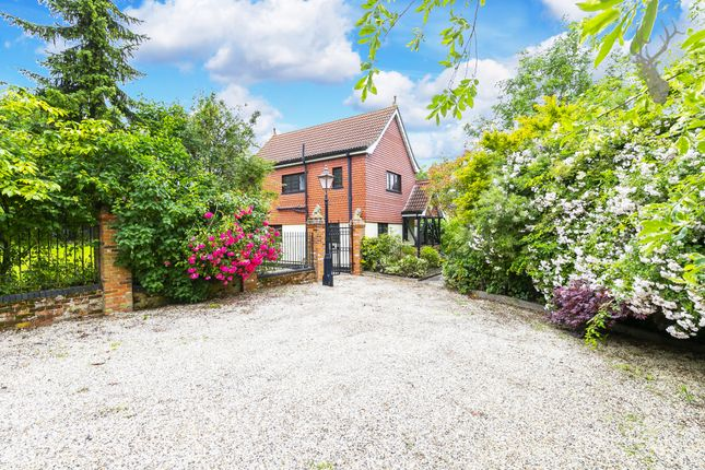 Thumbnail Detached house for sale in Nupers Hatch, Stapleford Abbotts