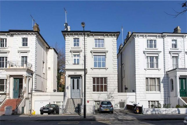 2 bed flat to rent in Buckland Crescent, London