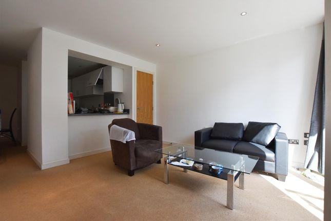 2 bed property to rent in High Street, Uxbridge