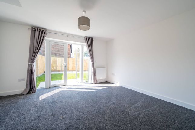 2 bed semi-detached house to rent in Hazel Avenue, Guildford GU1