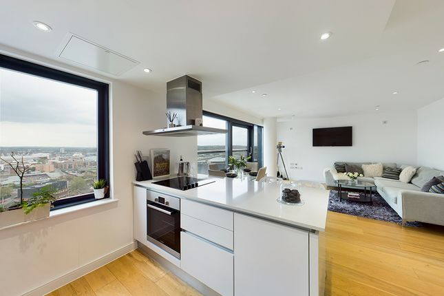 Thumbnail Flat for sale in The Moresby Tower, Admirals Quay, Southampton, Hampshire