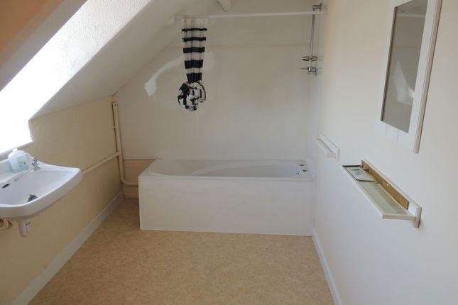 Bathroom of Northfield Road, Ilfracombe EX34