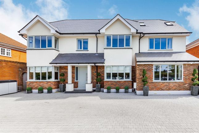 7 bed detached house for sale in Church Street, Billericay CM11