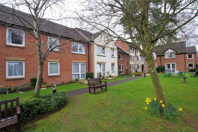 Flat for sale in Woodspring Court, Old Town, Swindon, Wiltshire