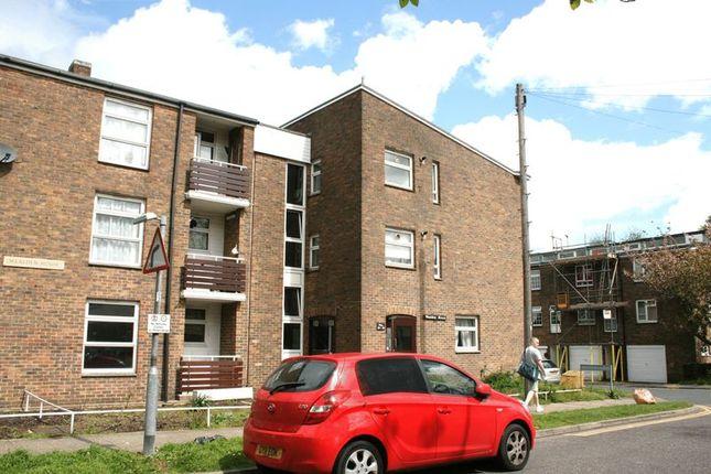 Thumbnail Flat to rent in Elizabeth Road, Pilgrim's Hatch, Brentwood