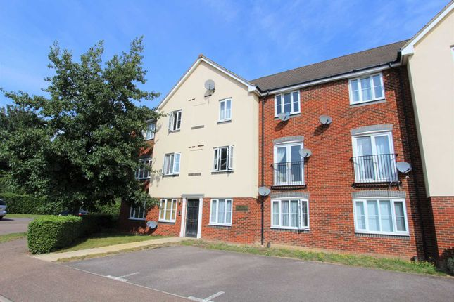 Thumbnail Flat to rent in Covesfield, Northfleet, Gravesend