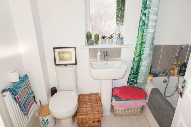 Family Bathroom of Golwg Y Garreg Wen, Swansea SA1